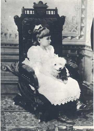 Helen com o c�o. Fotografia de 1887