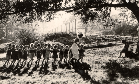Crianças cegas na Royal Victoria School for the Blind Benwell - foto de J. K. Bone, anos 50