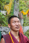 Blind monk enjoying the thin rain - foto de René Collin (Dharamsala - India)