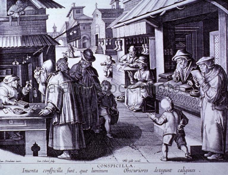 Mercado medieval com vendedores de óculos, livros, sapatos, etc. Toda a gente está a usar óculos - gravura de Jan van der Straet, c.1600.